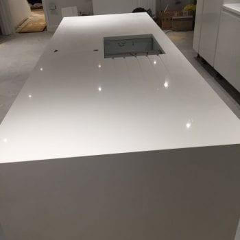 pure white quartz worktops