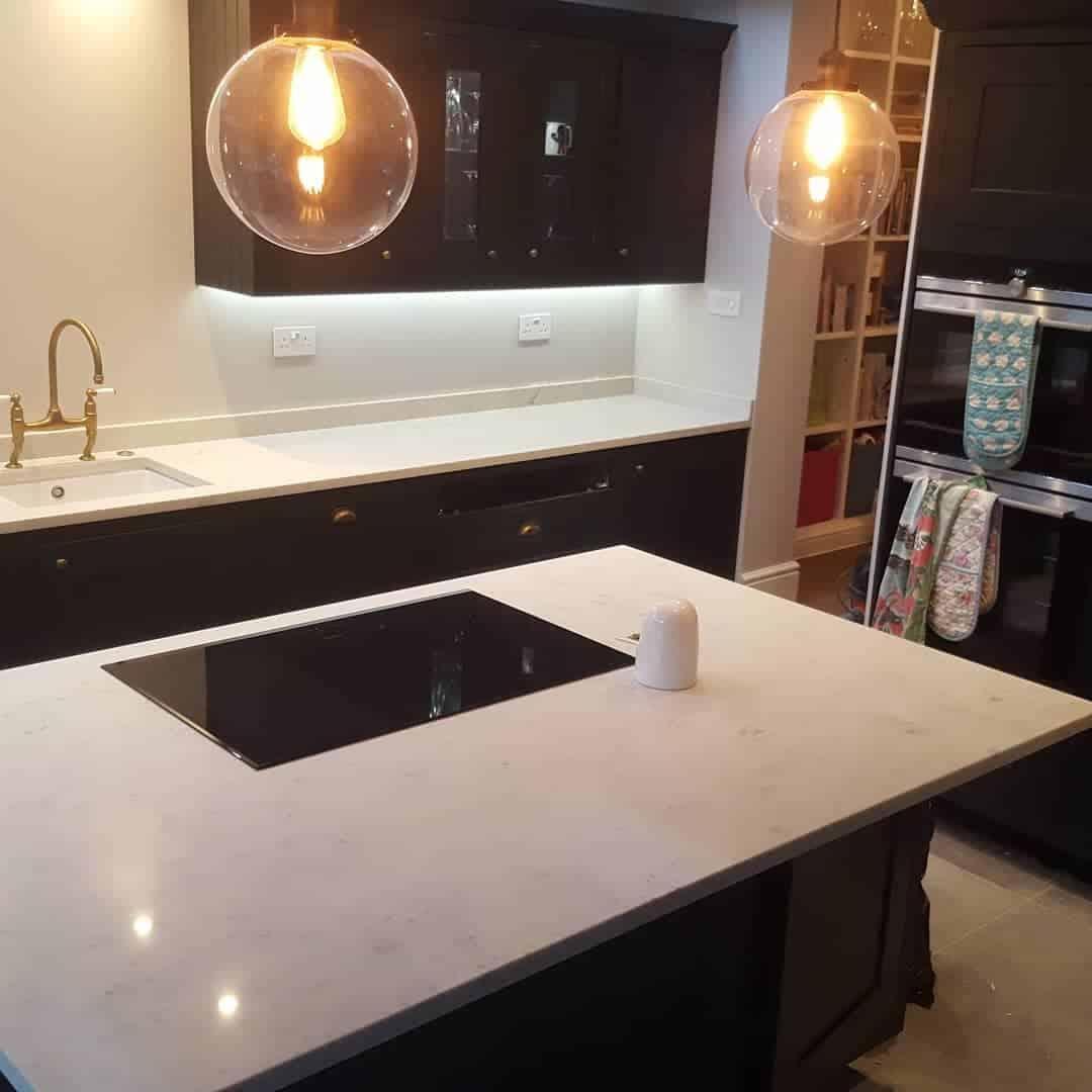 Kitchen Worktops Quartz V Granite: Kitchen Quartz & Granite Worktops Brixton
